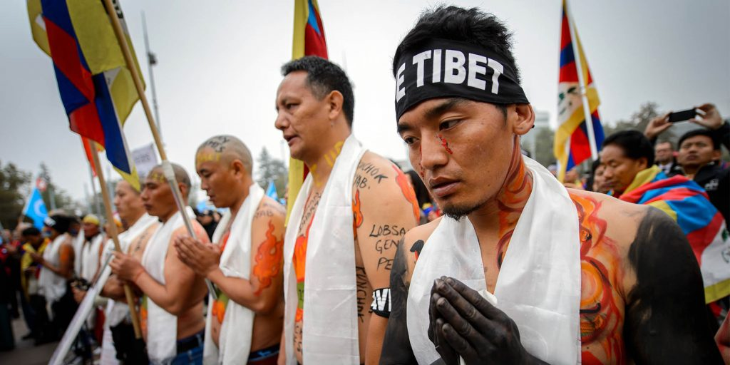 Tibetans demonstrate human rights
